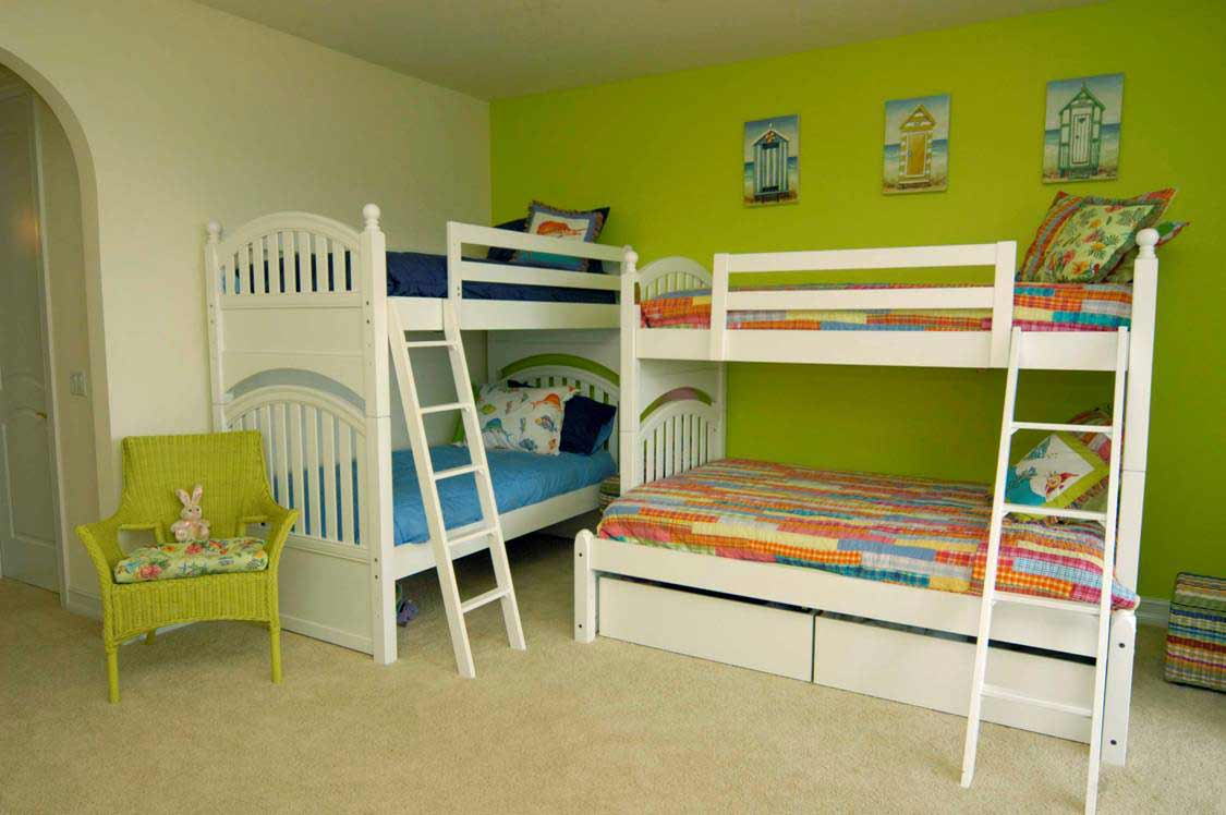Stylish bunk beds with storage for limited area