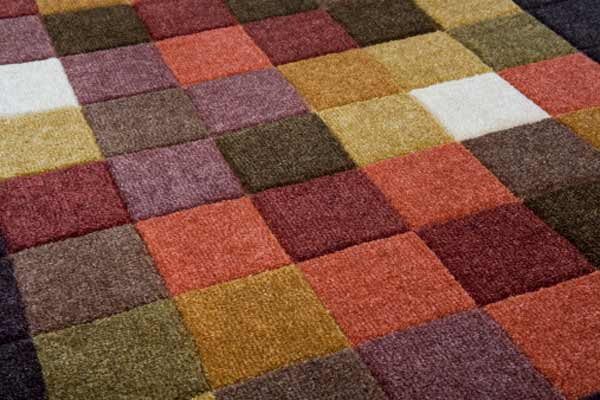 how to tell if carpet is damp