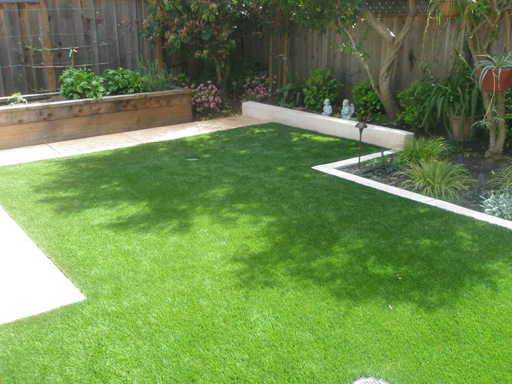 green artificial turf carpet