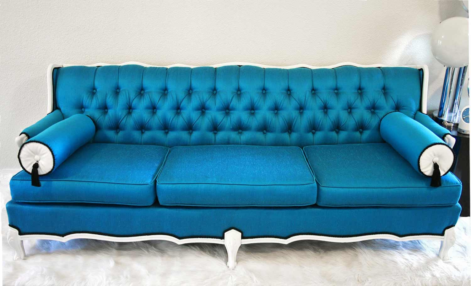 Blue couches living rooms feel the home for Blue leather sofa