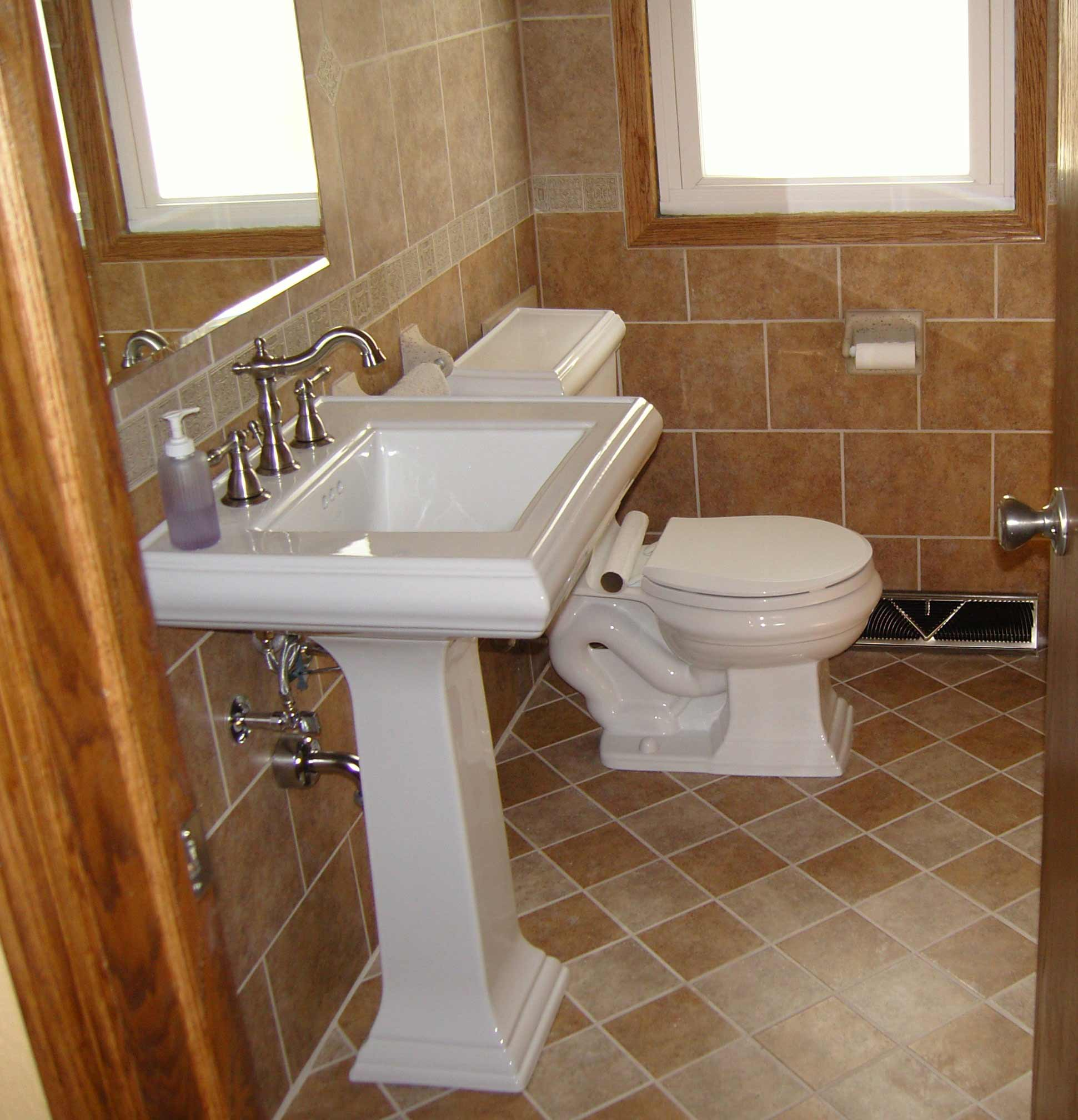Brick tile flooring for your home for Bathroom tile flooring designs
