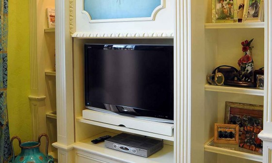 Custom Built Flat Screens TV Cabinets