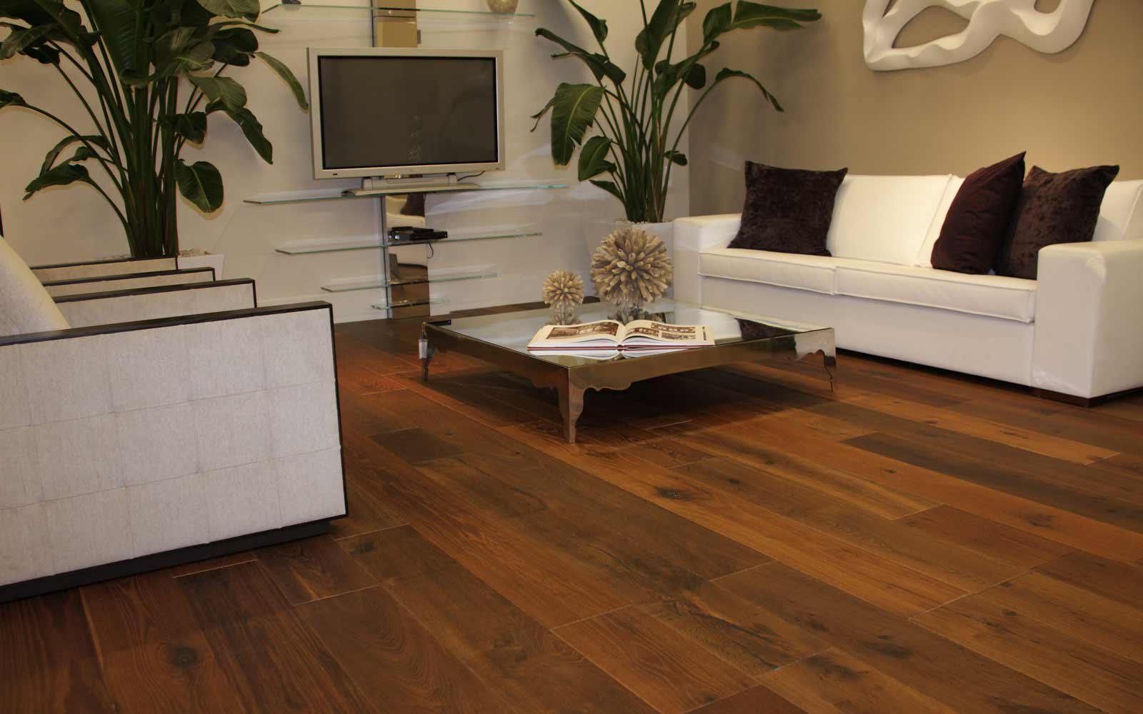 Brazilian koa hardwood flooring for your home for Homes with hardwood floors