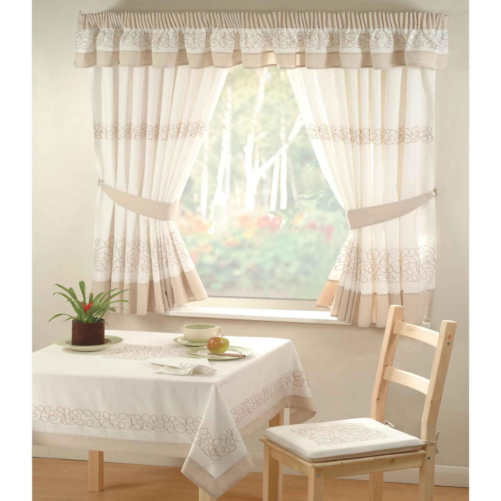 Dark Red Velvet Curtains Curtain Designs and Drapes