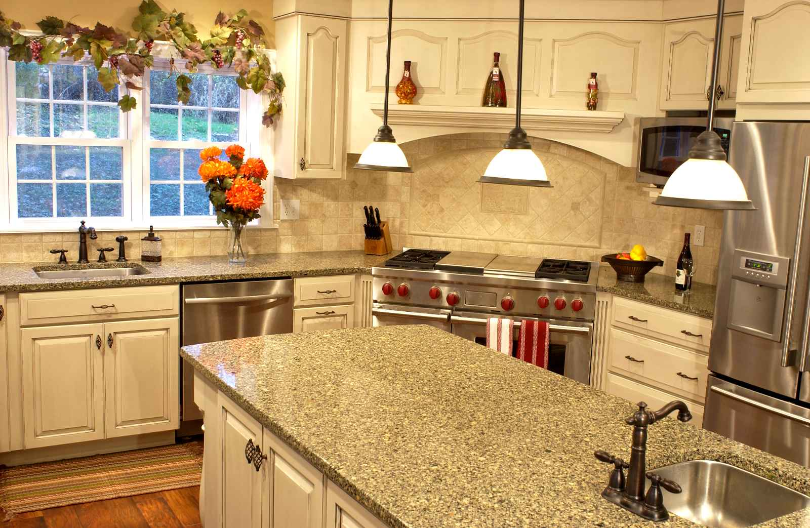 Cheap countertop ideas and design for Small kitchen granite countertops