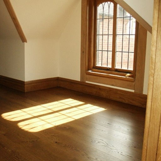 Cheap wooden floor with clear grain