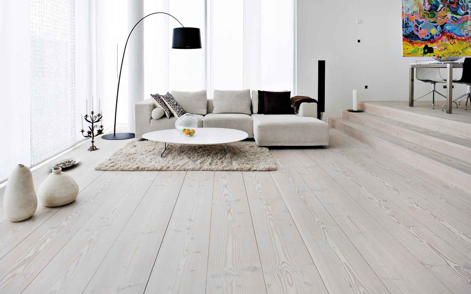 Cheap flooring ideas feel the home for Living room ideas oak flooring