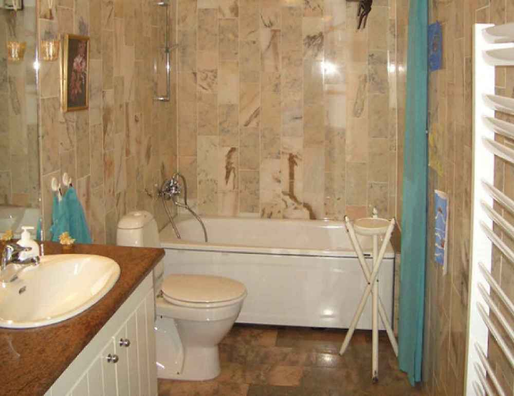 Brown bathroom tile beauty for Brown tile bathroom ideas