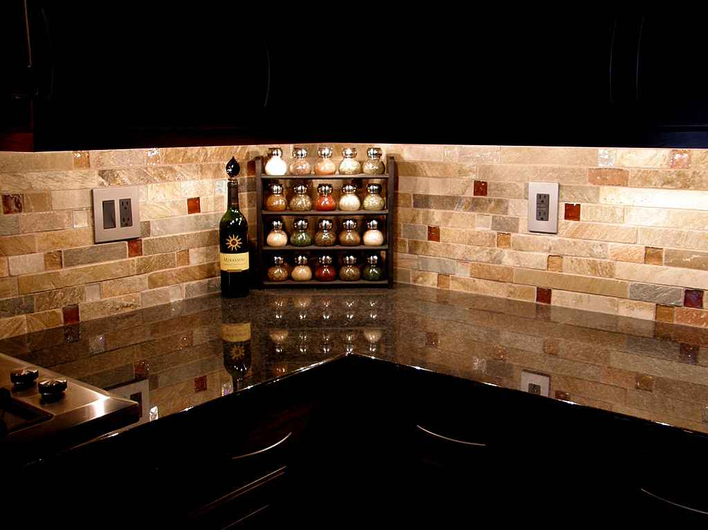 Kitchen wallpaper backsplash ideas feel the home for Black kitchen backsplash ideas