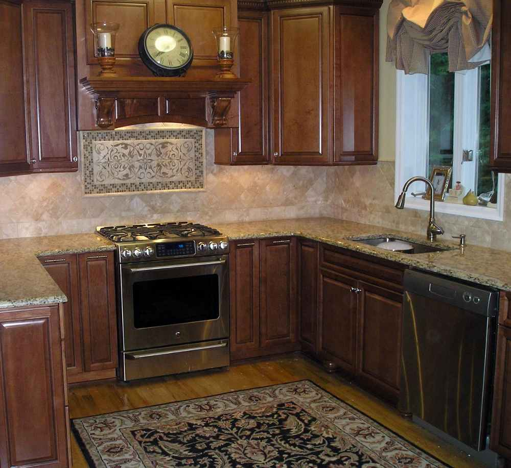 Kitchen backsplash design ideas feel the home for Kitchen tiles design photos