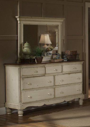Hillsdale Furniture Wilshire Mirror