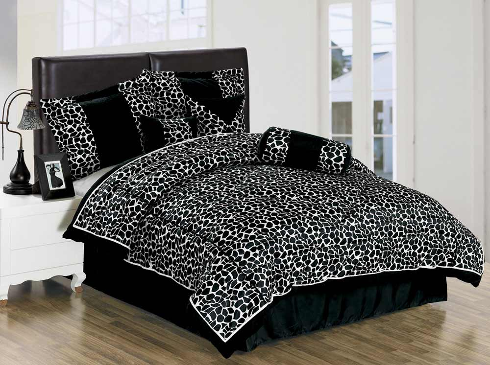 Giraffe motif black and white bedspreads king size