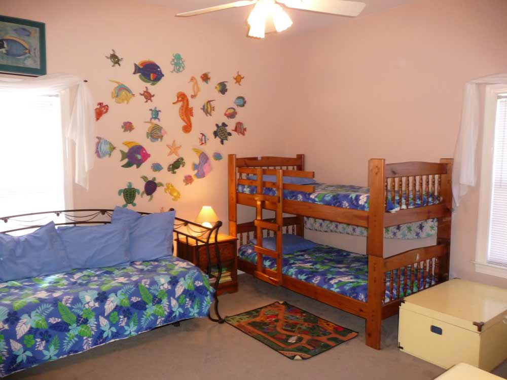 kids double beds for small rooms