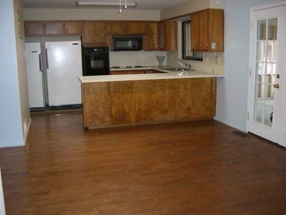 Wooden vinyl tile for kitchen area