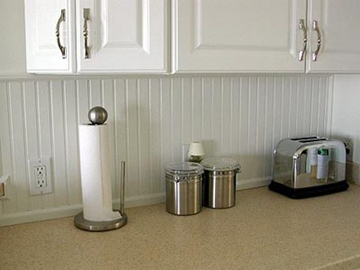 Simple wainscoting kitchen backsplash