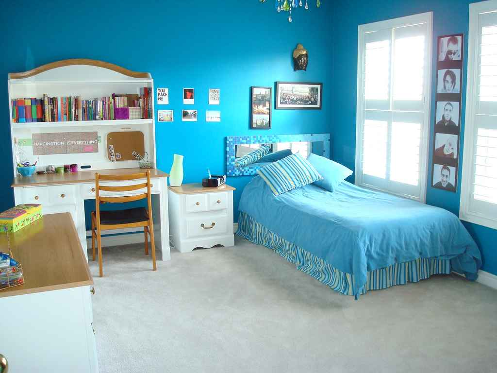Ocean Blue Theme for Teenage Bedrooms