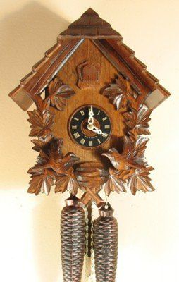 Sternreiter Cuckoo Clock Feeding Birds Chalet